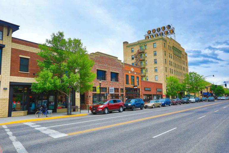 Light traffic flows through downtown Bozeman, Montana. (Shutterstock)